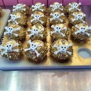 skull-cupcakes